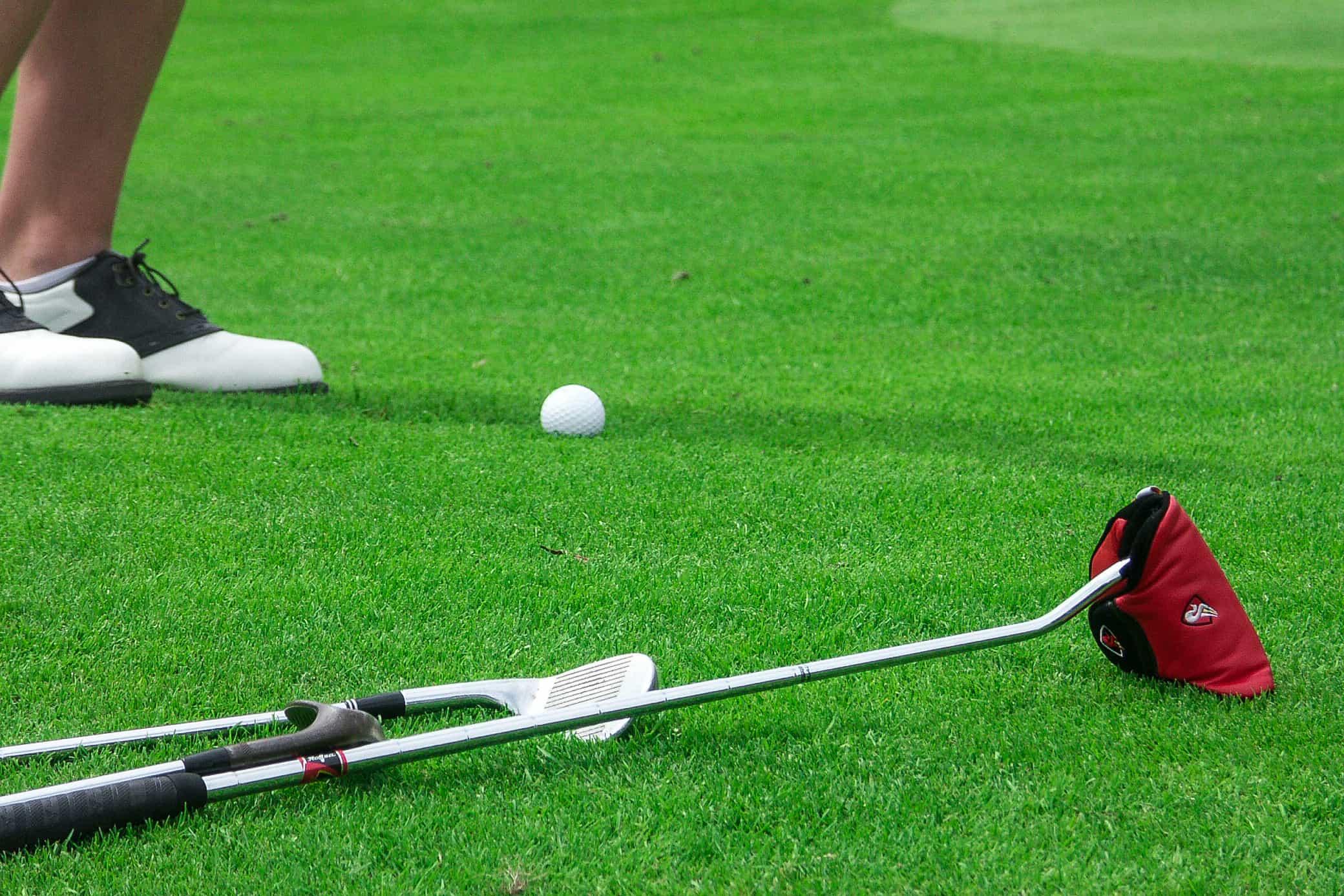 Céspedes para golf