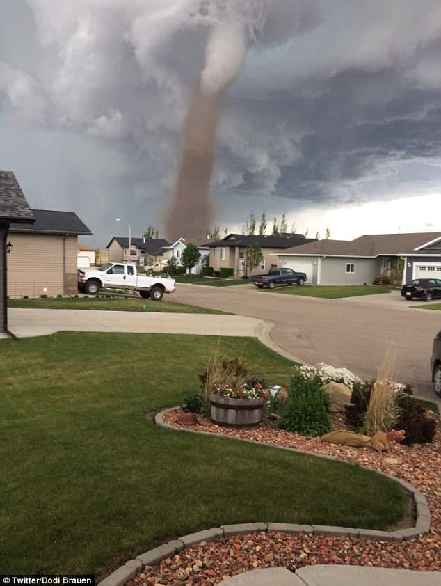 tornado_canada