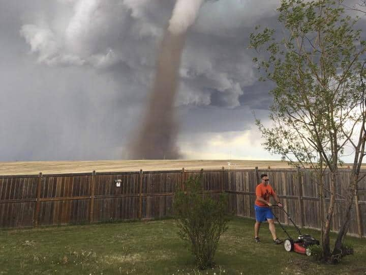 tornado-cesped