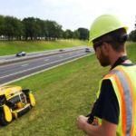 Cortacésped robotizado en taludes de las autopistas